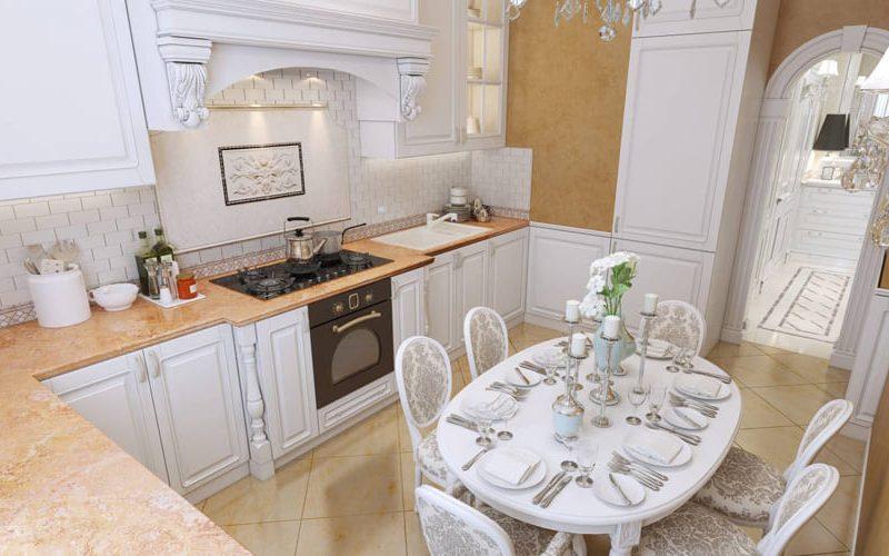 классическая белая кухня с каменной столешницей