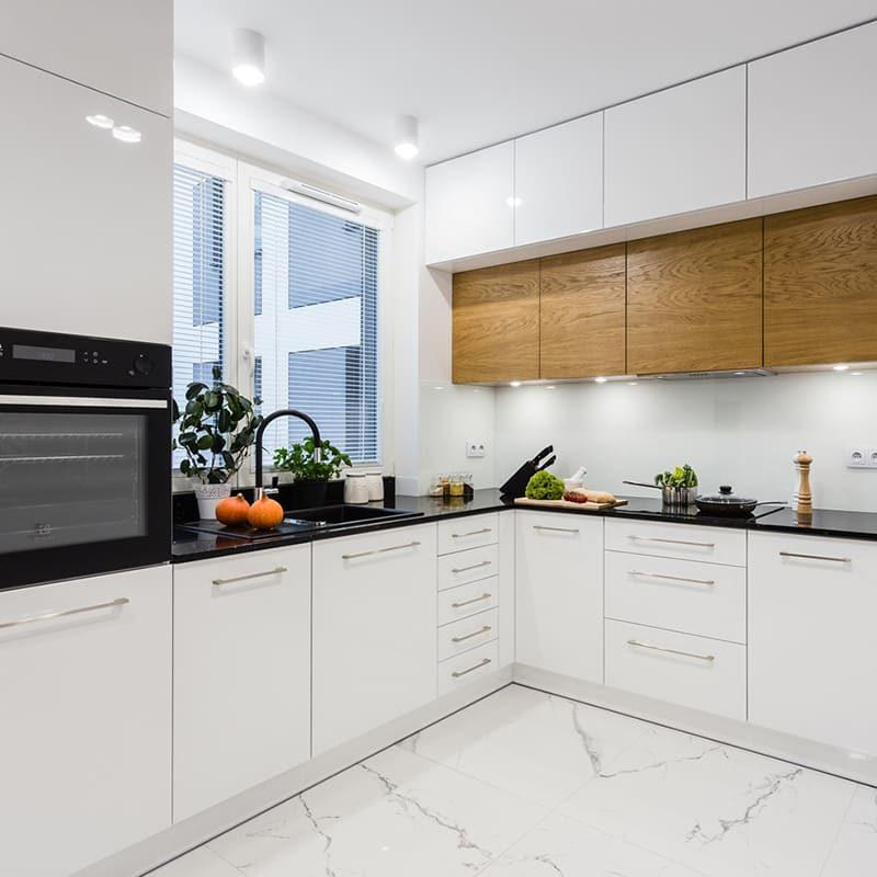 красивая белая кухня
