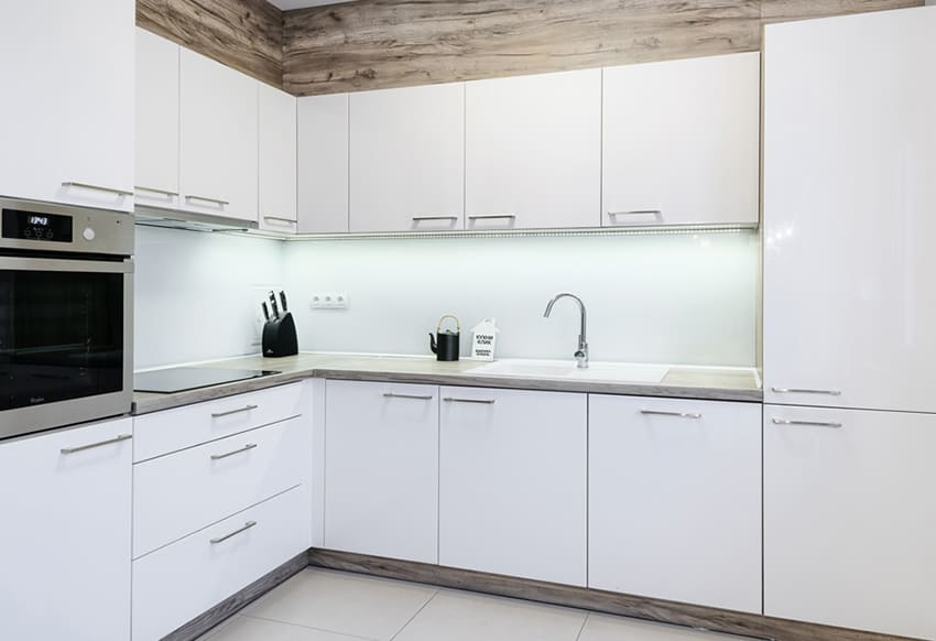 Белая глянцевая кухня от производителя
